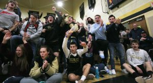 ATTENTION WW HIGH SCHOOL STUDENTS – FAN BUS PLANNED FOR WRESTLING ON  SATURDAY, FEB 3
